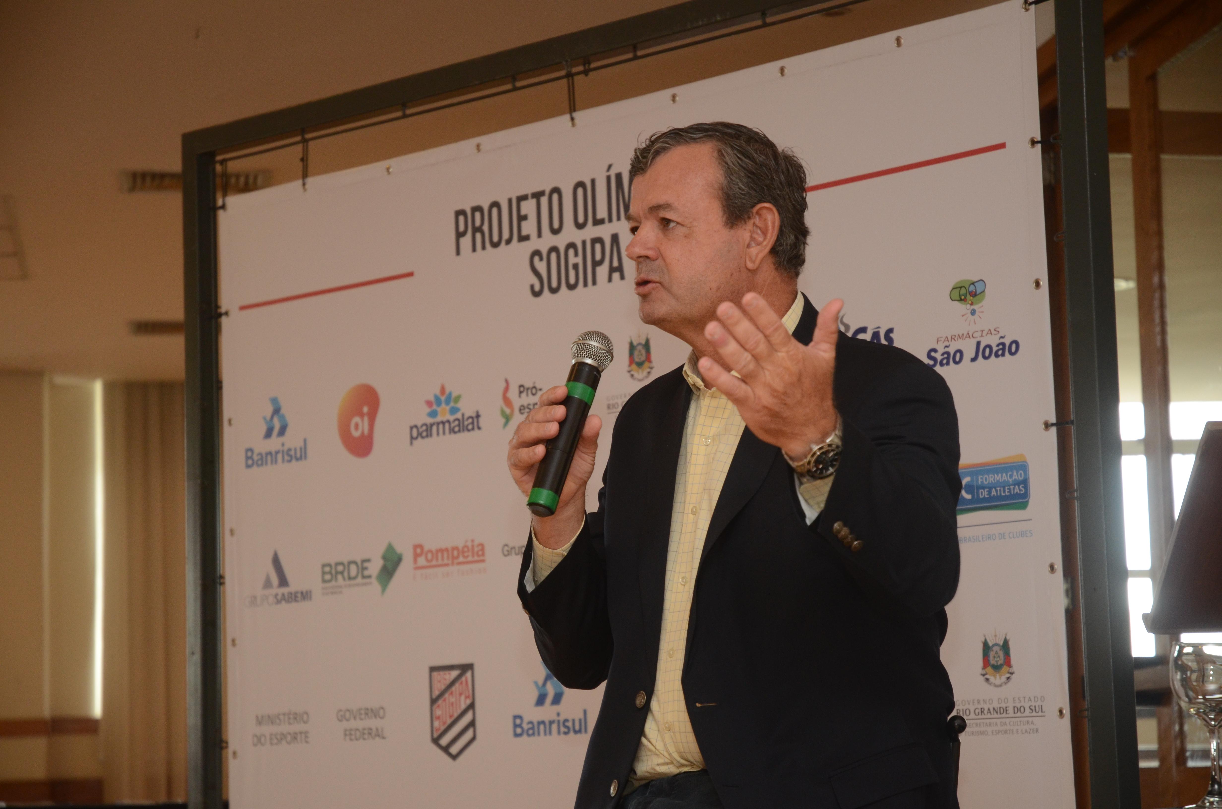 Lars Grael fez palestre durante o evento