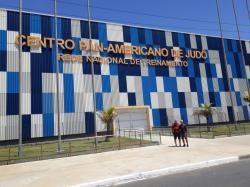 Dirigentes da Sogipa visitam Centro Pan-Americano de Judô, em Lauro de Freitas. Presidente sogipano interrompeu férias para conhecer instalações