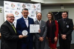 Kiko e Léo Ribas estão entre os agraciados com o Troféu Professor Carlos Alberto Garcia. Entrega ocorre na noite de terça-feira