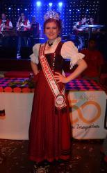 Luísa Weizenmann Kornowski, representante do Projeto Criança, é a nova rainha
