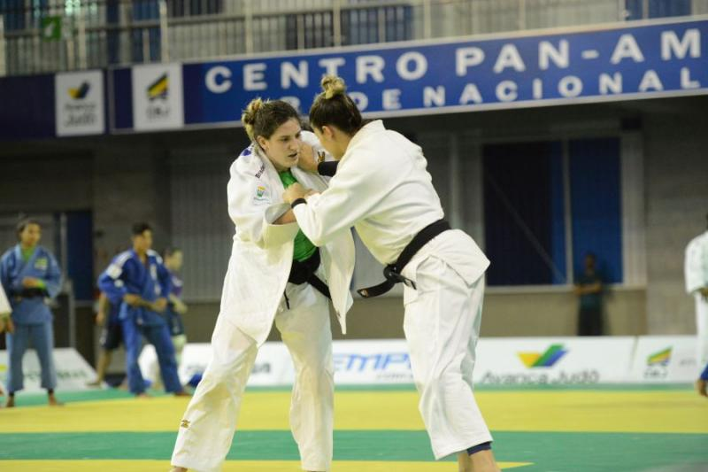 ELA VOLTOU » Mayra Aguiar retorna à Seleção Brasileira que disputa o Grand Slam em maio. Érika e Maria também estão na lista