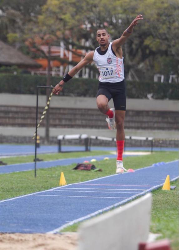 Voa, Almir! > Almir Júnior volta a competir e conquista medalha de ouro no Festival Sogipa