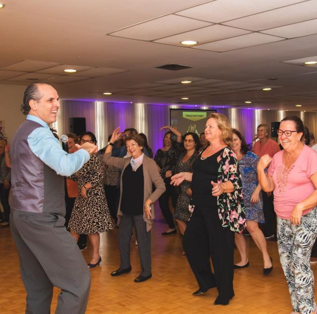 Campani colocou todo mundo para dançar no Ciclo Cultural. Próximo encontro é sobre astrologia