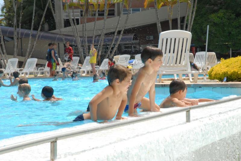 VEM VERÃO » Sogipa investe em melhorias de segurança e conforto para receber sócios na área das piscinas