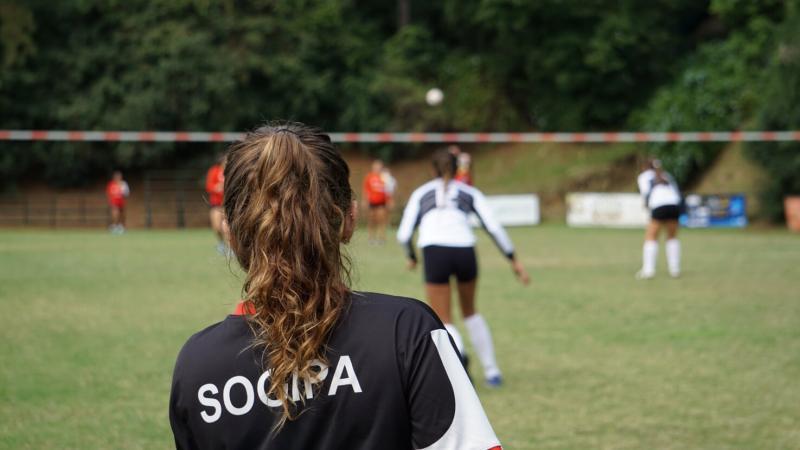 É campeã! > Sogipa é campeã geral na Copa Porto Alegre de Punhobol ao conquistar seis medalhas