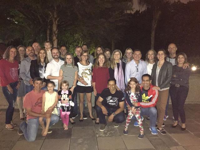 Antes da viagem, grupo que vai a Lisboa confraternizou na Sogipa