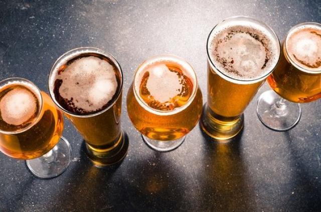 As cervejas artesanais serão a grande atração da noite.