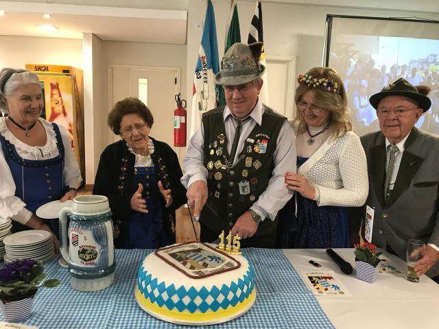 Bávaros cortaram o bolo pelos 115 anos do departamento