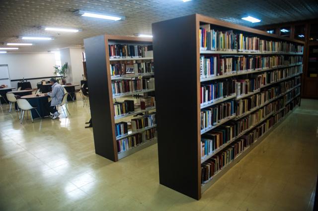 Biblioteca da Sogipa possui acervo de milhares de obras.
