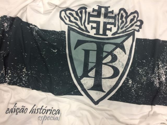 Camiseta retrô exibe antigo logotipo do Turnerbund