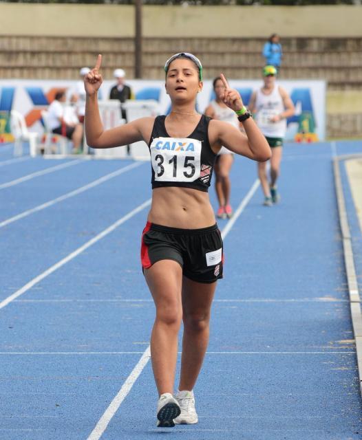 Carolina Fontoura Moreno foi destaque da competição com o ouro na marcha atlética