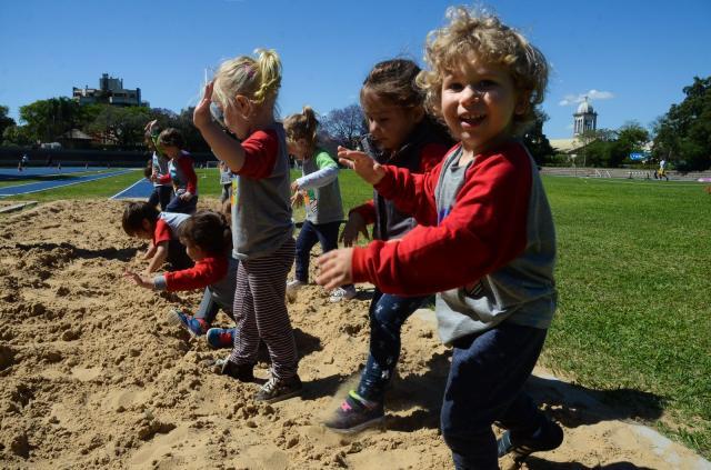 Crianças utilizam toda a infraestrutura da Sogipa