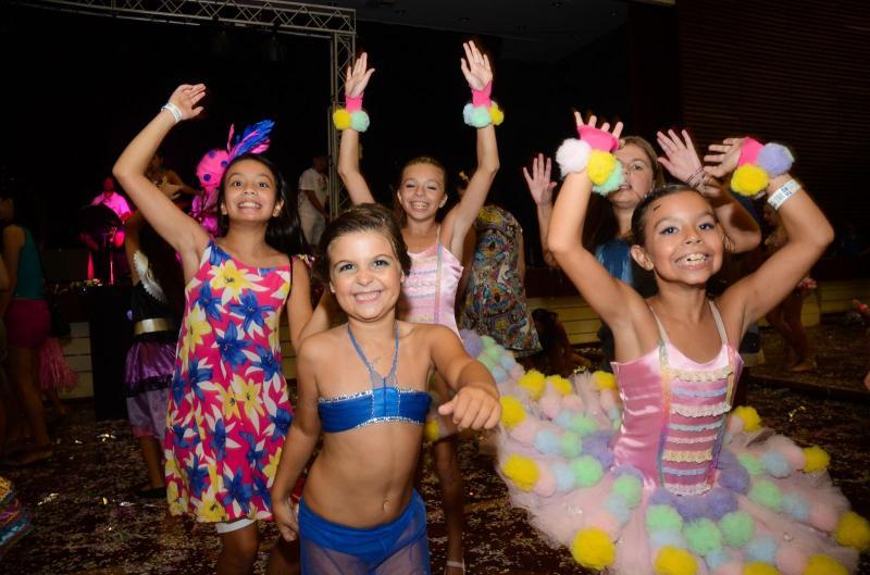 É neste sábado! » Carnaval em Família da Sogipa ocorre neste sábado. Convites para sócios e não sócios estarão à disposição até a hora do evento