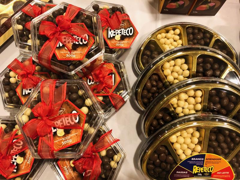 Vem coelho! > Decacau Gramado realiza feira de chocolates na Sogipa