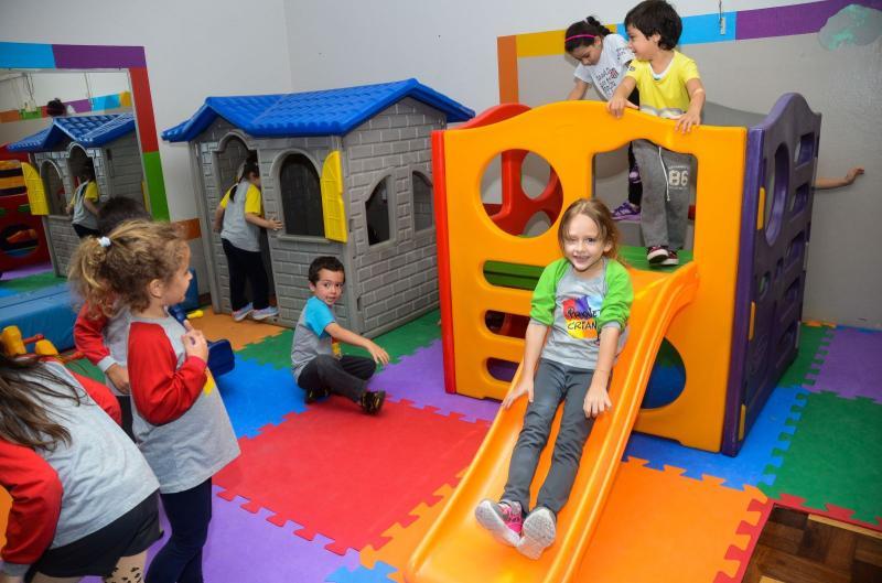 Espaço Kids » Sogipa oferecerá recreação infantil enquanto pais aproveitam o Pré-Réveillon. Serviço é cortesia para associados e seus convidados