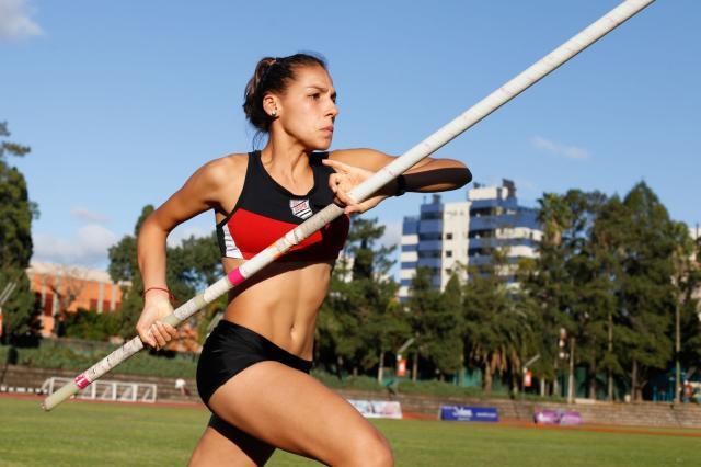 Sogipana Thais Lindemayer treina e estuda nos EUA.