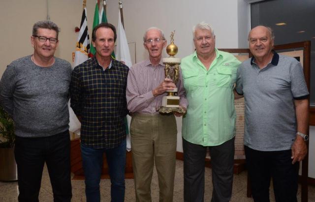 Tenistas campeões foram homenageados