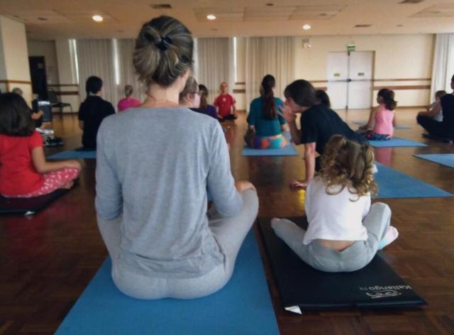 Yoga é um conceito é uma filosofia, que trabalha o corpo e a mente.